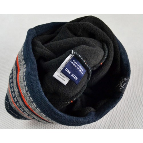Зимняя шапка ARCTERYX, цвет красный и синий